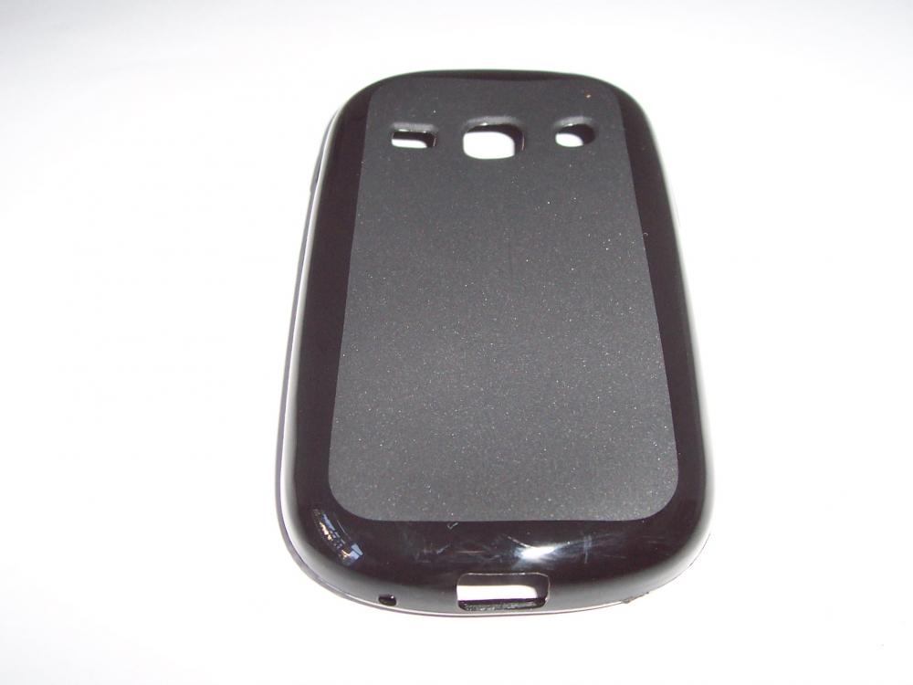 Husa Silicon Neagra (cu Spate Mat) Pentru Telefon